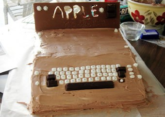 Say Happy Birthday To Apple With An Apple I Cake The Mac Observer