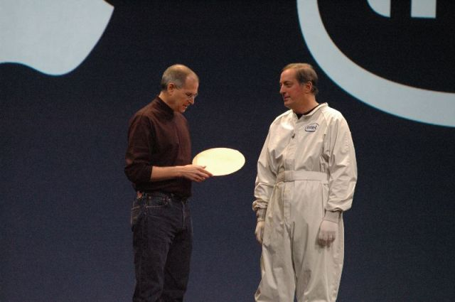 Steve Jobs and Paul Otellini with a symbolic Intel wafer.