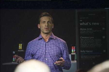Derek Snyder showing features in Windows Phone.