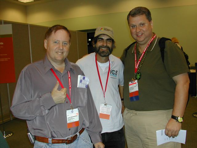 Fellow journalists John Richardson, Hiram Ash, and Edward Palwick give Siggraph a thumbs-up!