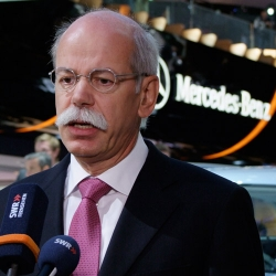 Daimler Chairman Continues Auto Industry's Dismissal of Apple Car