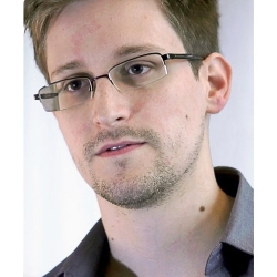 Edward Snowden: Consumers Should Support Apple to Incentivize Privacy