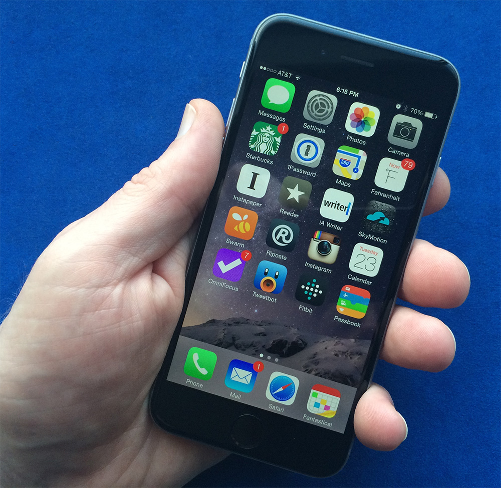 Apple's iPhone 6 is bigger, but still fits for most one-handed use