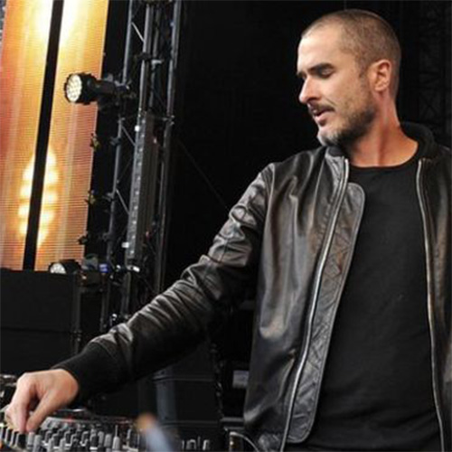 Apple flexes its music muscle, hires BBC Radio 1's Zane Lowe