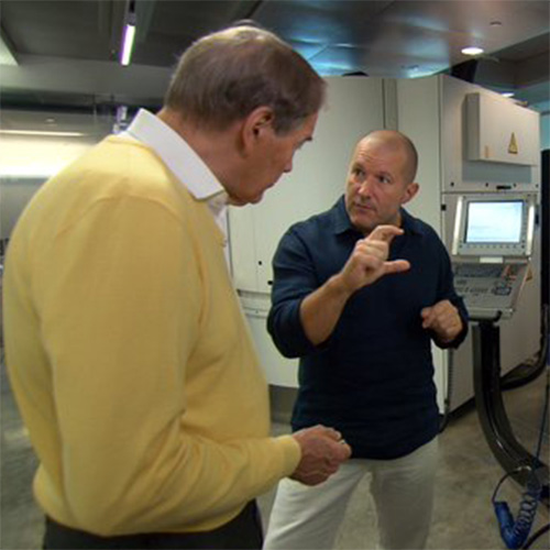Jony Ive shows Charlie Rose Apple�s design lab