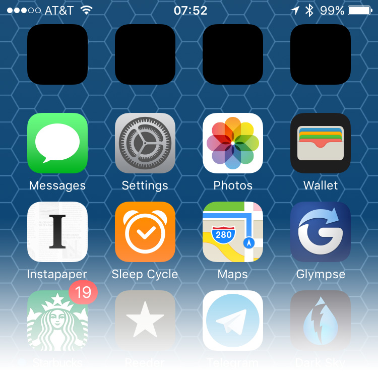 Manually changing time zones can freeze your iPhone's battery indicator