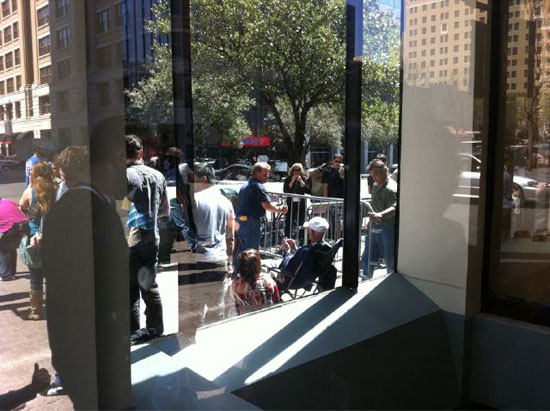 PopUp Apple Store Barricades