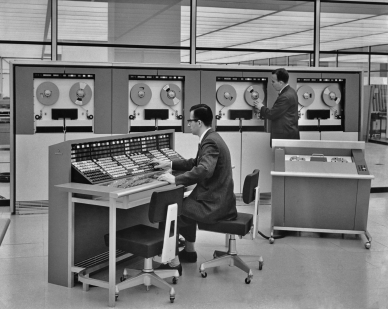 1960 - When Men Were Men and Computers Were for Businessmen