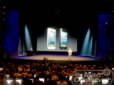 Apple's Phil Schiller shows of iPhone 5