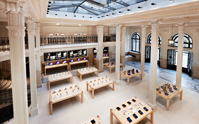 Apple Paris Store Robbery
