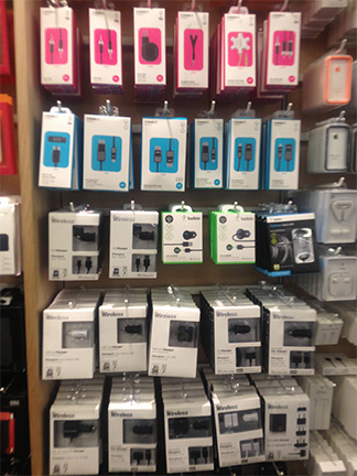Apple's Barton Creek store in Austin shows off Lightning accessories