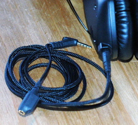 Black Cable Showing Kevlar Coating and SharePlay Y-Splitter