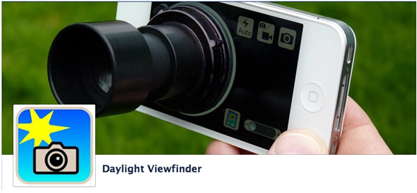The Daylight Viewfinder eyepiece attached to the iPhone screen.