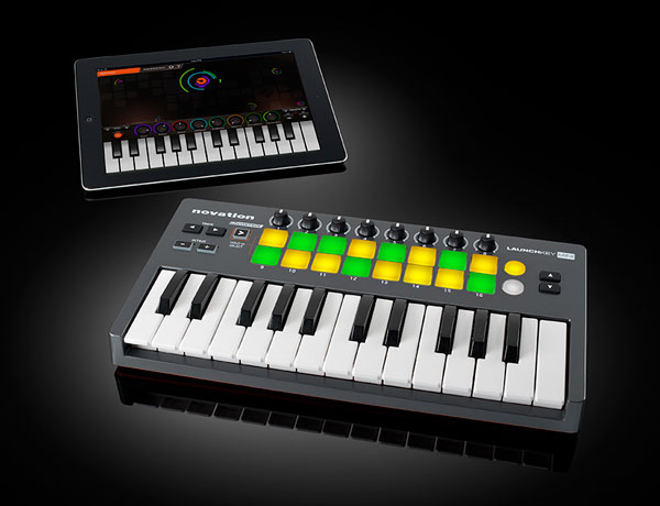 Novation Launchkey Mini, a MIDI Controller for iPad, Mac, PC