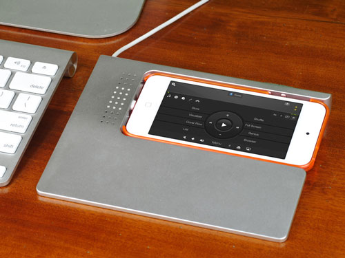 SketchDock on Kickstarter Turns Your iPhone into a Trackpad, Sketching Surface, More