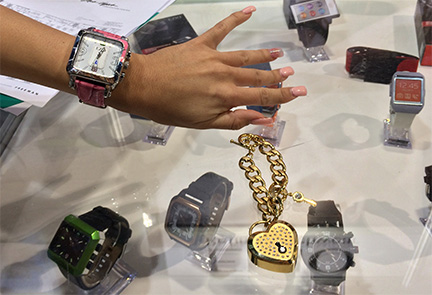 2014's wearable tech: Bling that knows when your phone rings