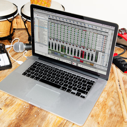 Propellerhead Ships Reason 8 With Emphasis On Drag And