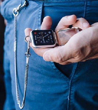 Turn Your Apple Watch Into a Gorgeous Pendant or Pocket Watch