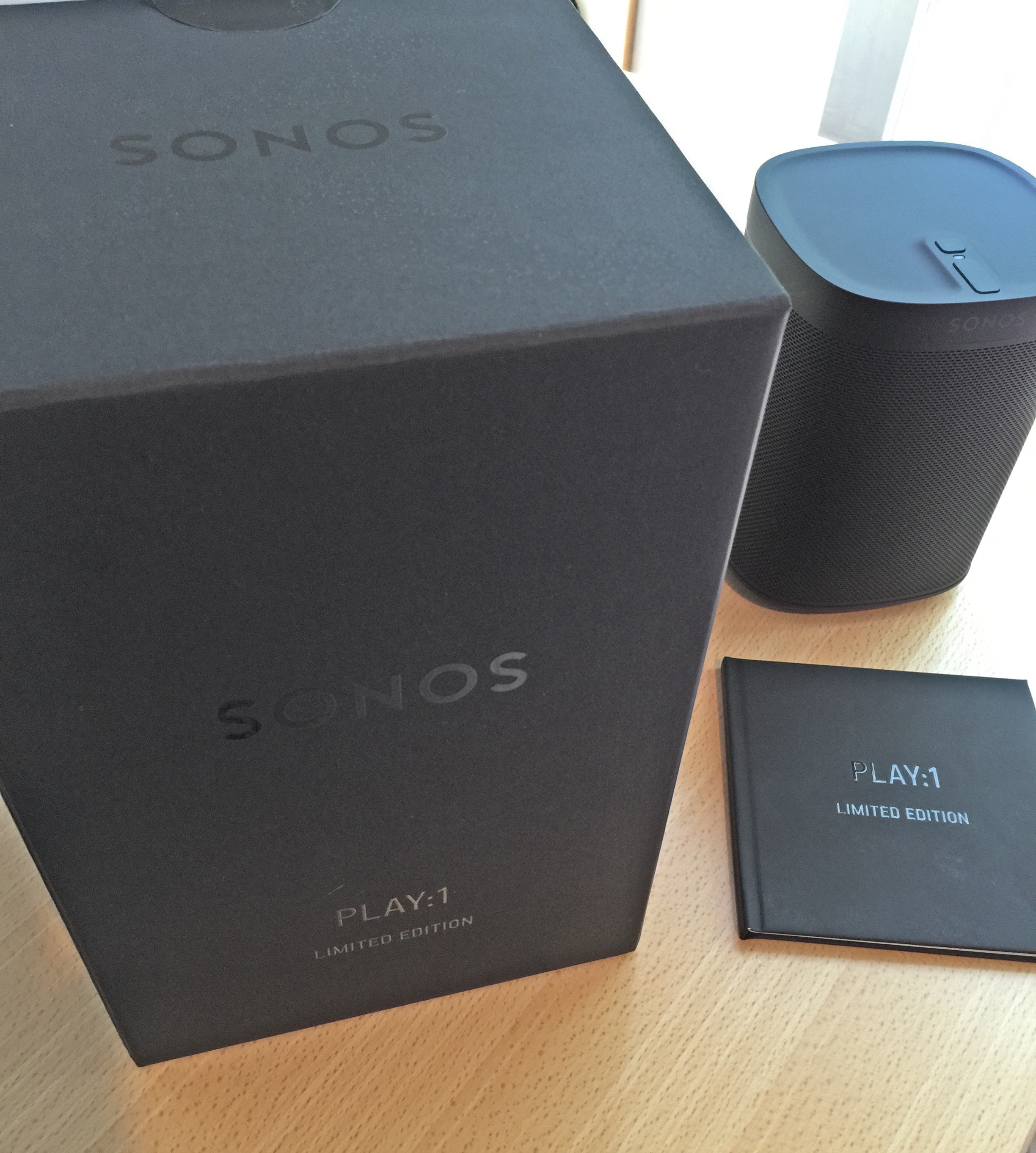 Sonos PLAY:1 Tone Black Box Speaker and Booklet