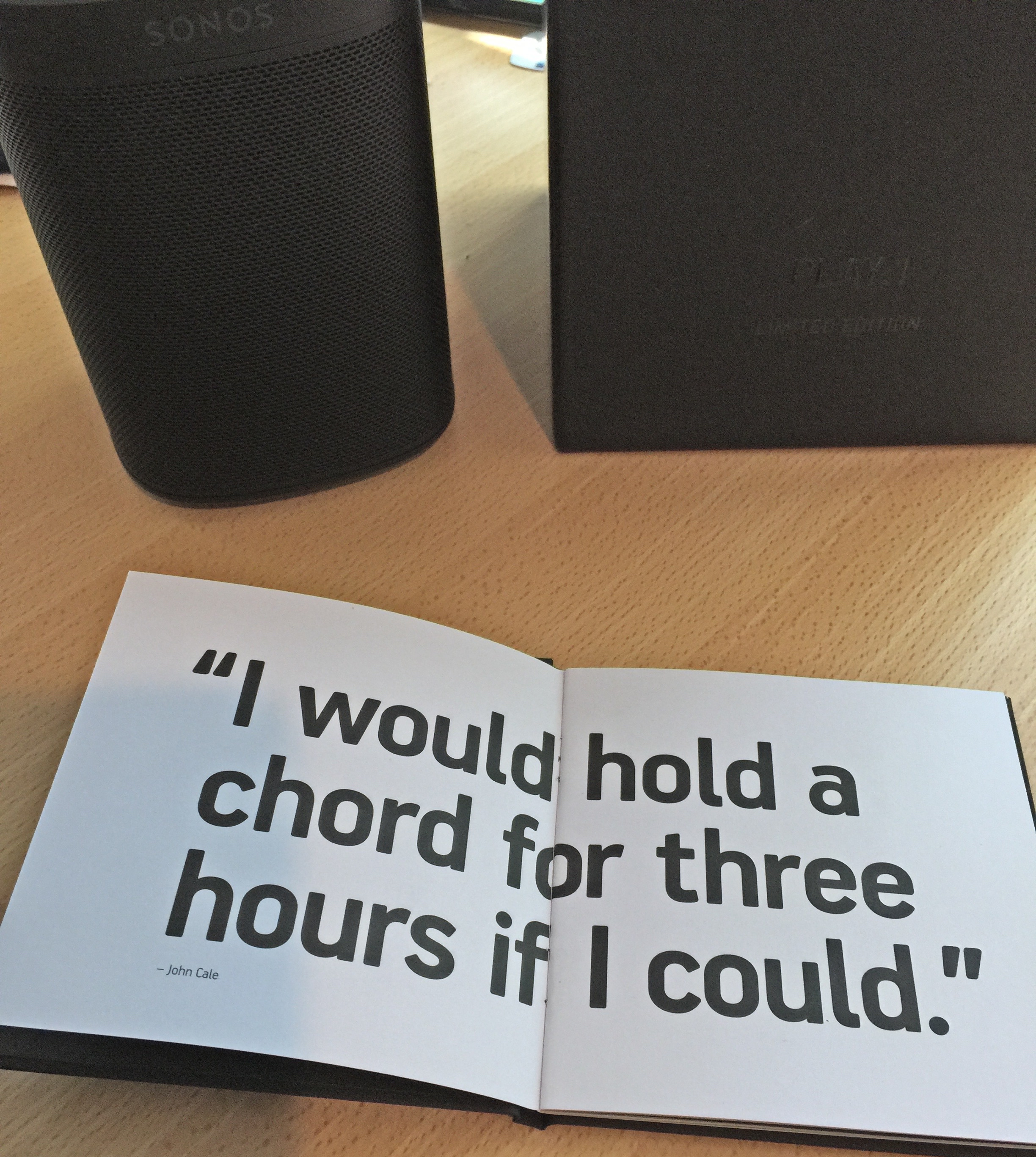Sonos PLAY:1 Tone Black Booklet Open