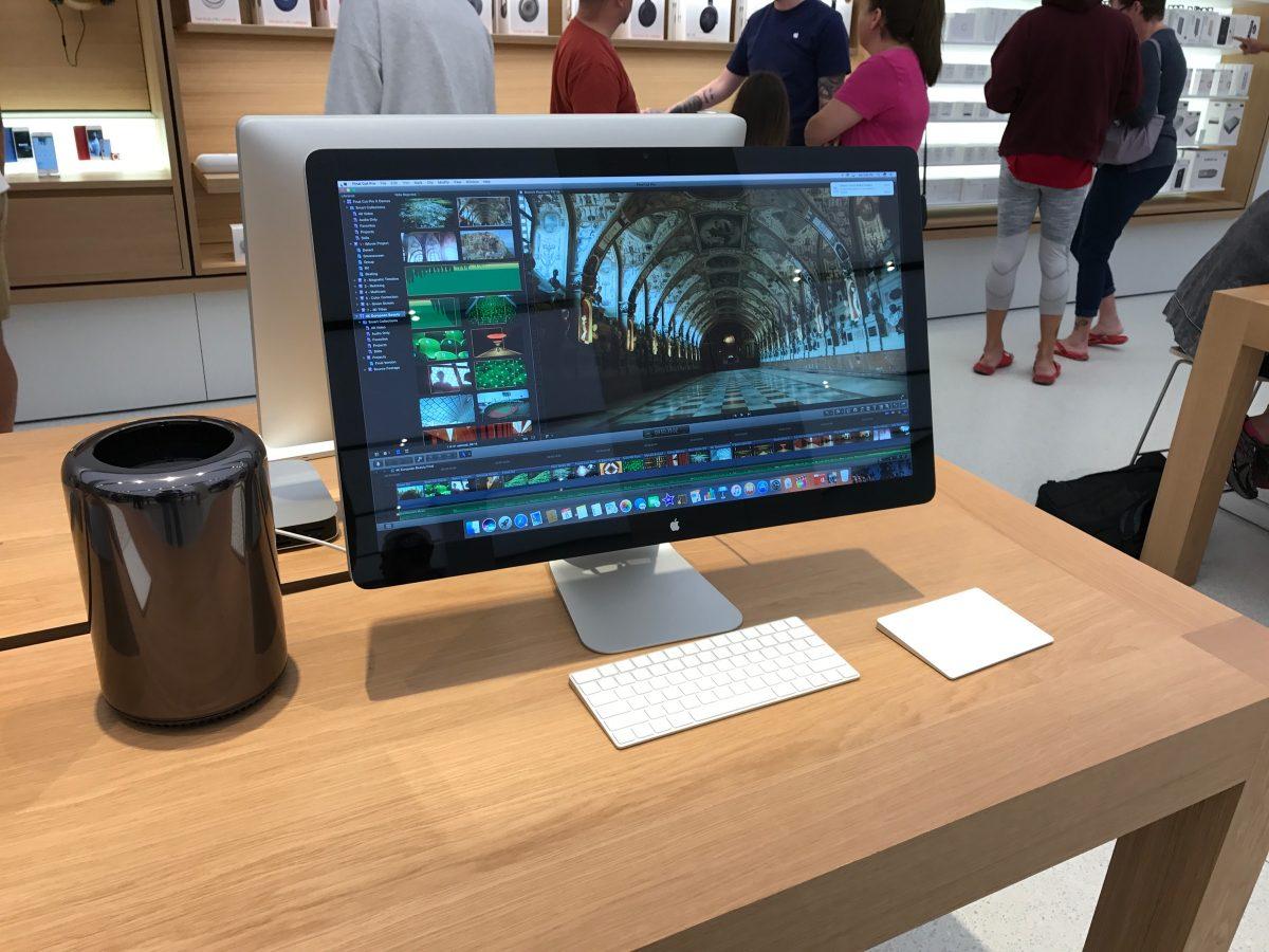 Mac Pro & Thunderbolt display.