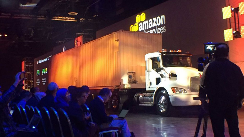 Amazon Snowmobile is a Giant Truck That Can Move 100PB to the Cloud