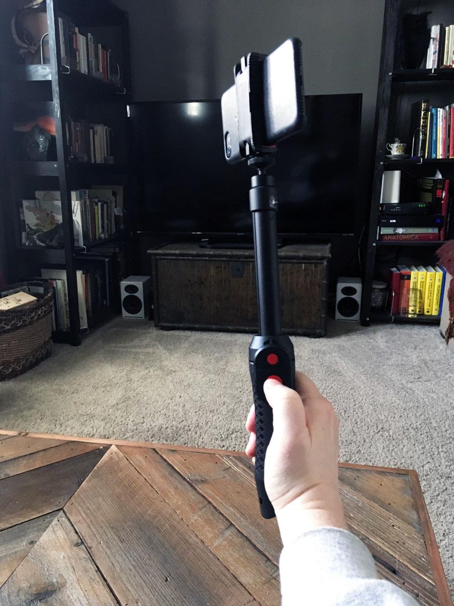 iKlip Grip Pro as a monopod