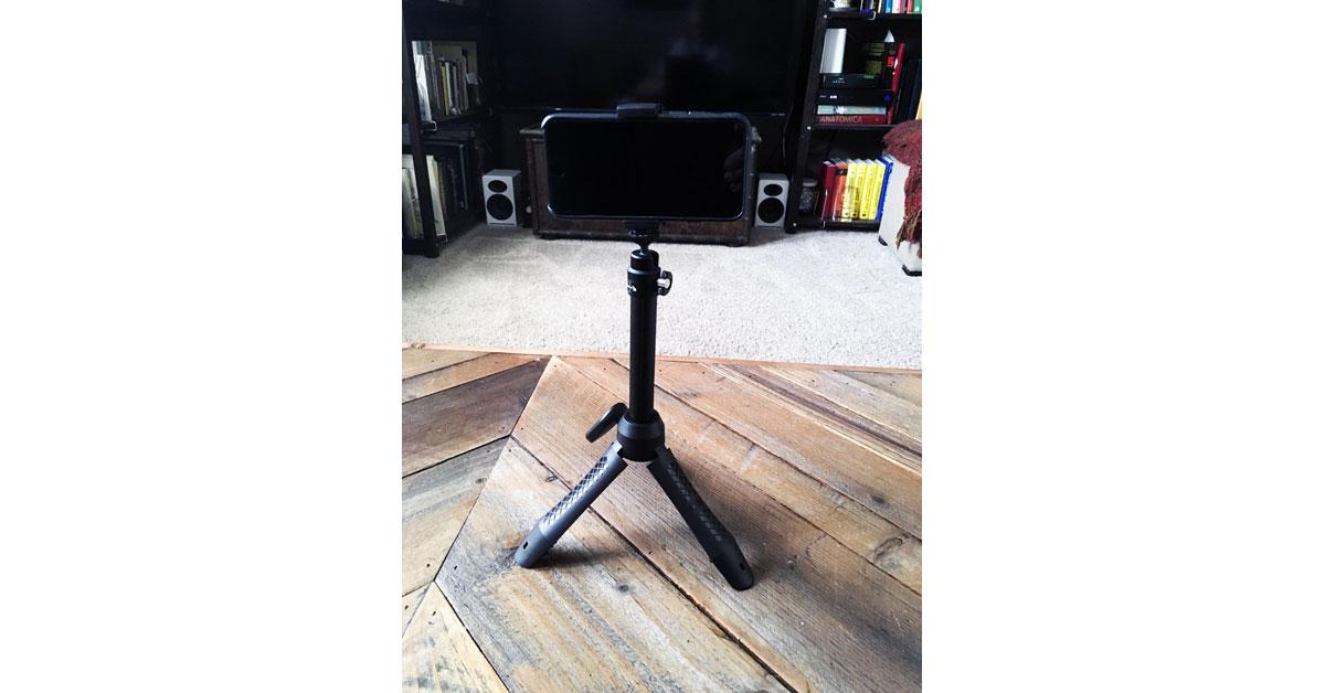 iKlip Grip Pro in Tabletop Tripod mode