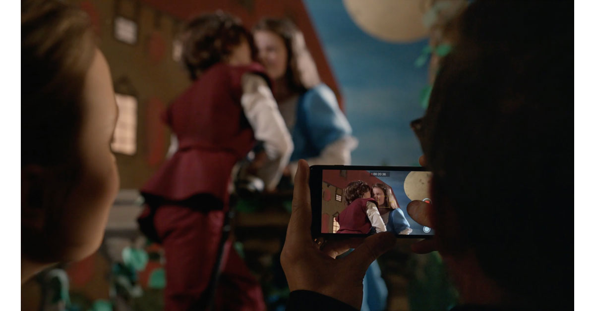 iPhone 7 - Romeo and Juliet Commercial Screenshot from Apple