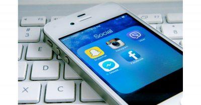 Social media apps on an iPhone