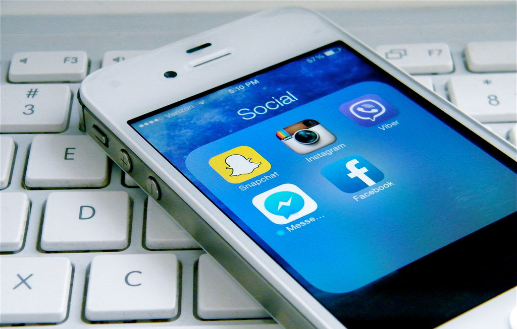 Social media apps on iPhone