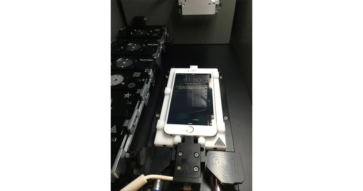 Check out the Machine Apple Stores Use to Calibrate iPhone Screens