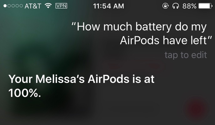 Siri showing AirPods battery level