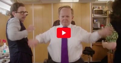 Melissa McCarthy as Sean Spicer in SNL skit