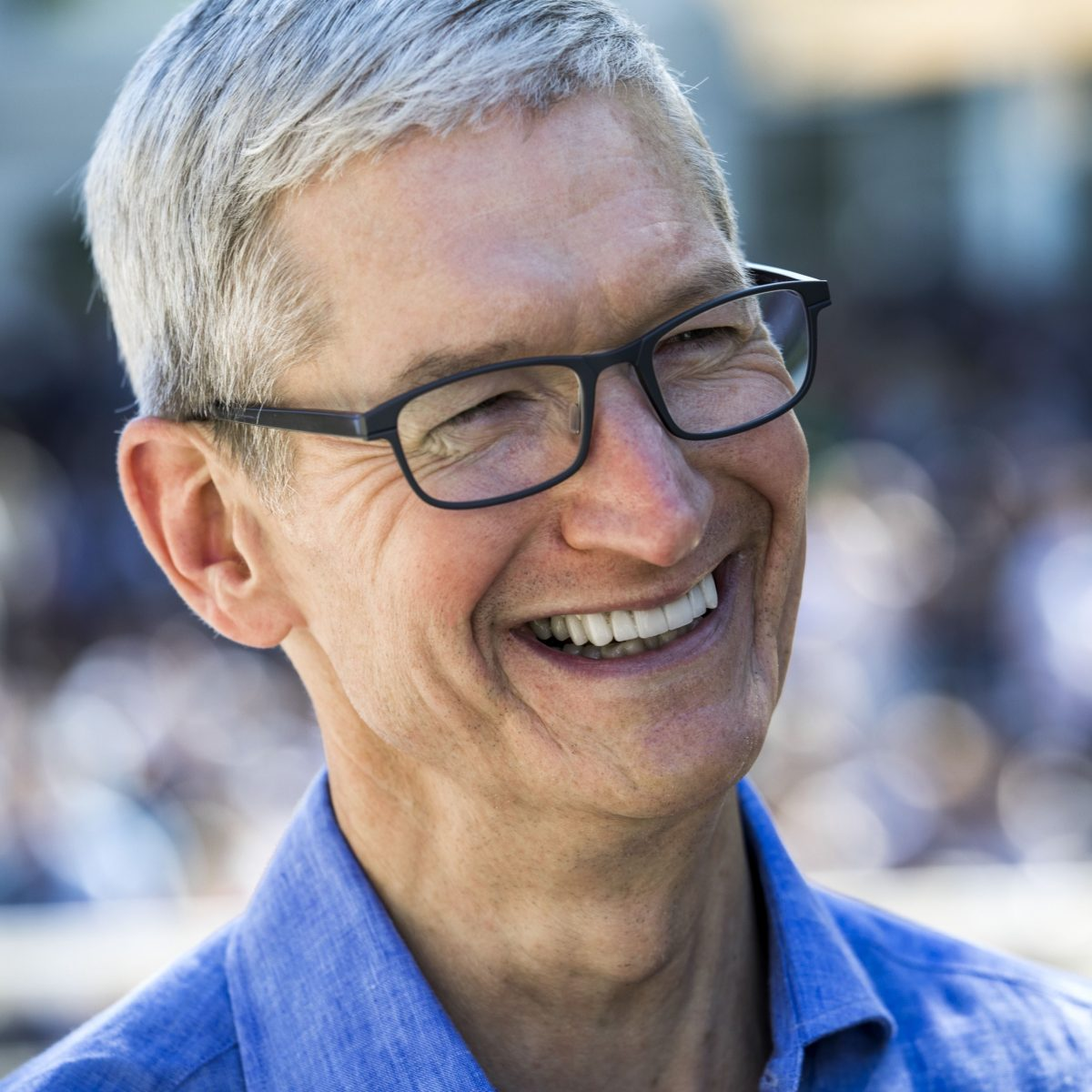 Tim Cook, from Charitybuzz Auction