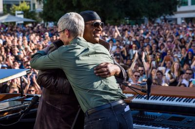 Tim Cook hugs Stevie Wonder at Apple's 2017 Beer Bash