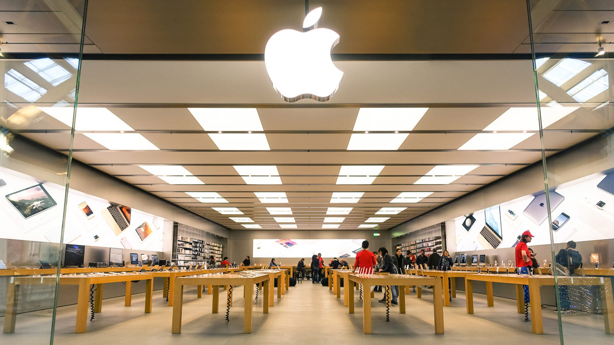 Thieves With Sledgehammers Attack 2 Apple Stores