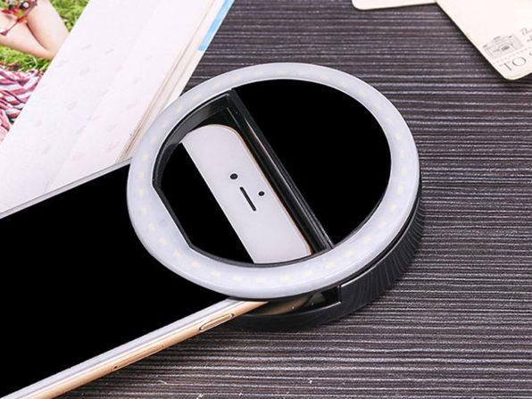 Clip On Smartphone LED Selfie Light: $10.99