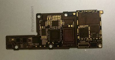 Leaked photo of iPhone 8 circuit board