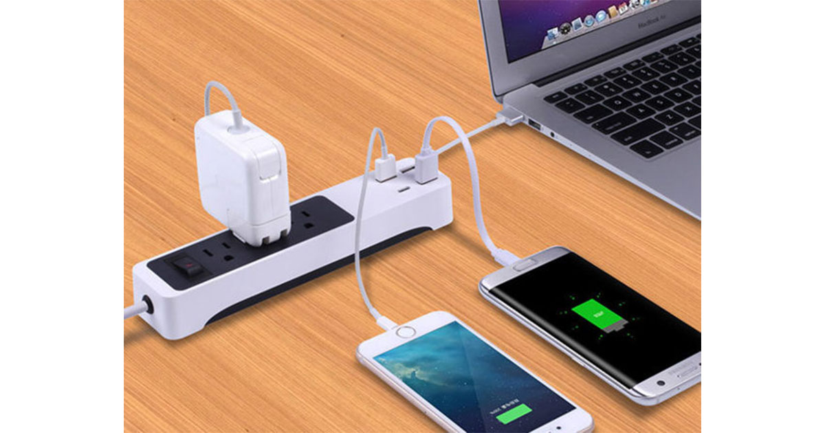 Kinkoo 3-Outlet Surge Protecting Smart Power Strip: $21.25