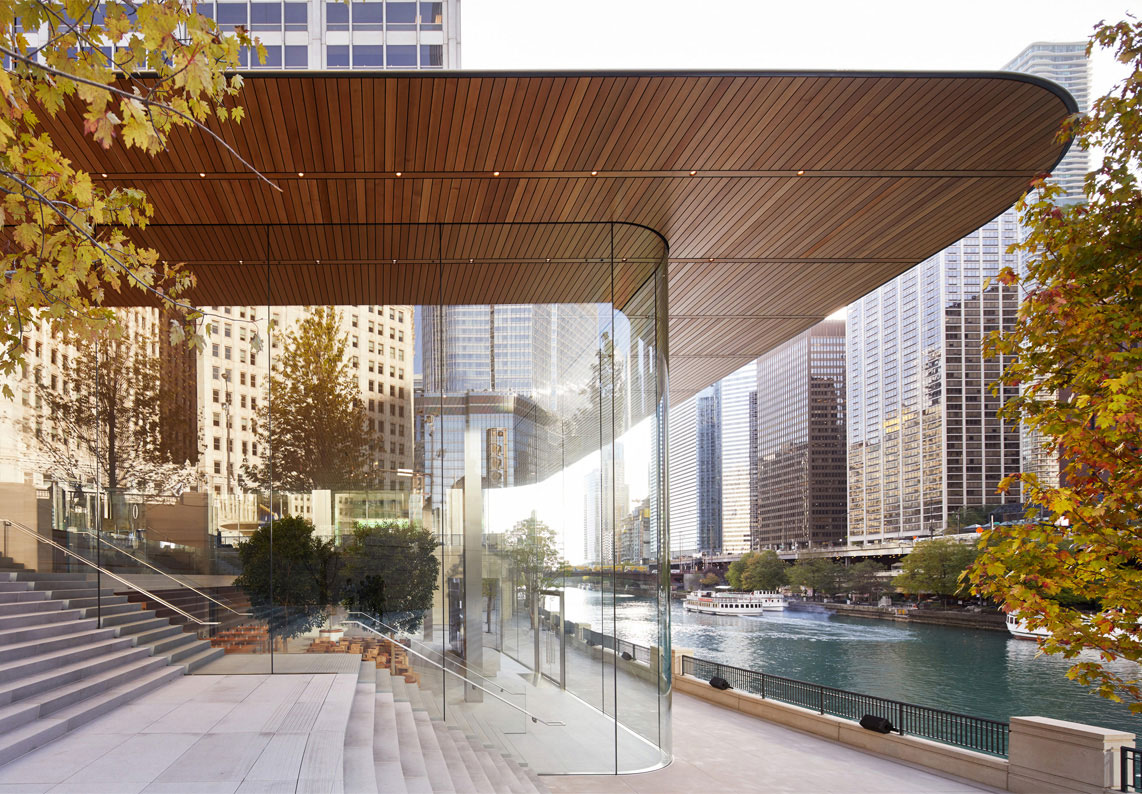 Side View of Apple Michigan Ave Front Entrance