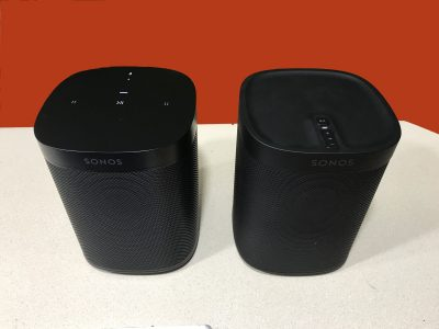 Sonos One and Sonos PLAY:1 Next to each other