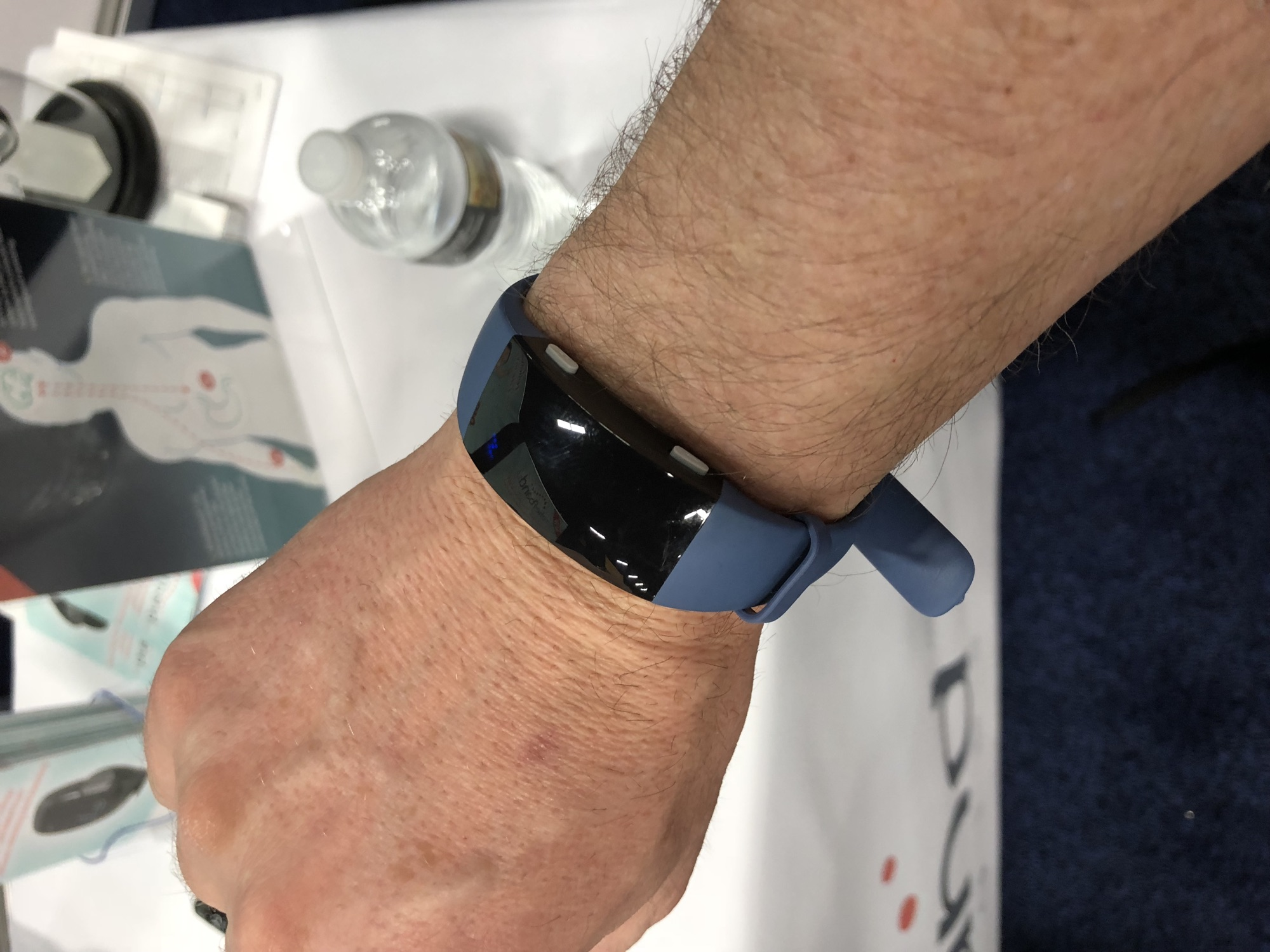 CES – Reliefband 2.0 Uses Acupressure and TENS to Prevent Nausea for 24 Hours