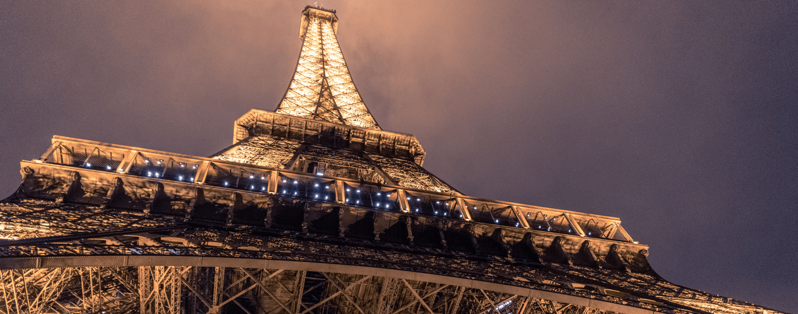 Image of the Eiffel Tower in Paris, where Apple will host a developer workshop.
