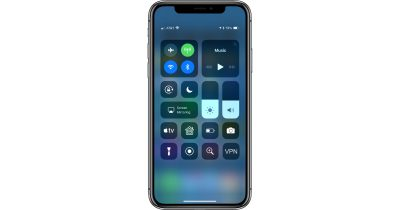 iPhone X Control Center with a VPN button