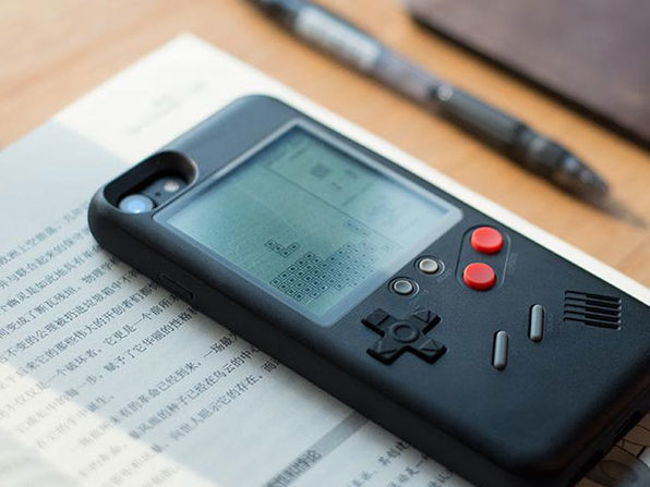 The Wanle Gamer Console Case Turns Your iPhone into a Classic Handheld Game: $33.99