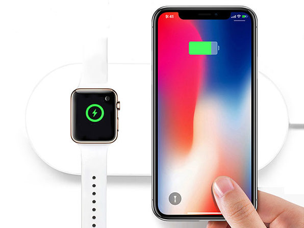 iPM 2-in-1 Wireless Charging Pad Charges iPhone and Apple Watch