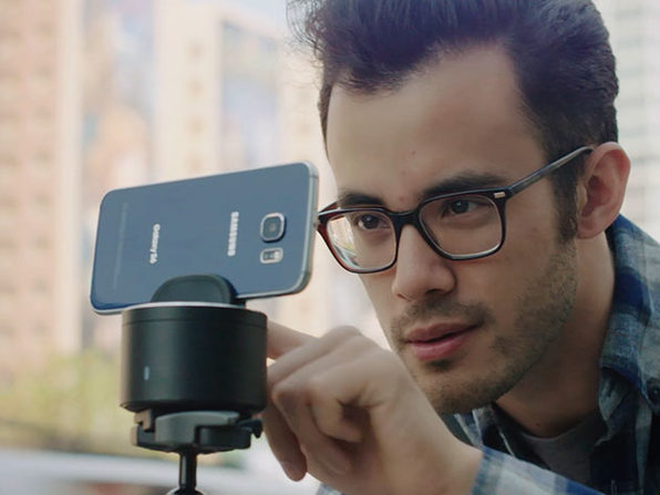 Picbot Motorized iPhone Mount Tracks Faces, Time-Lapsed Panos, More: $112.99
