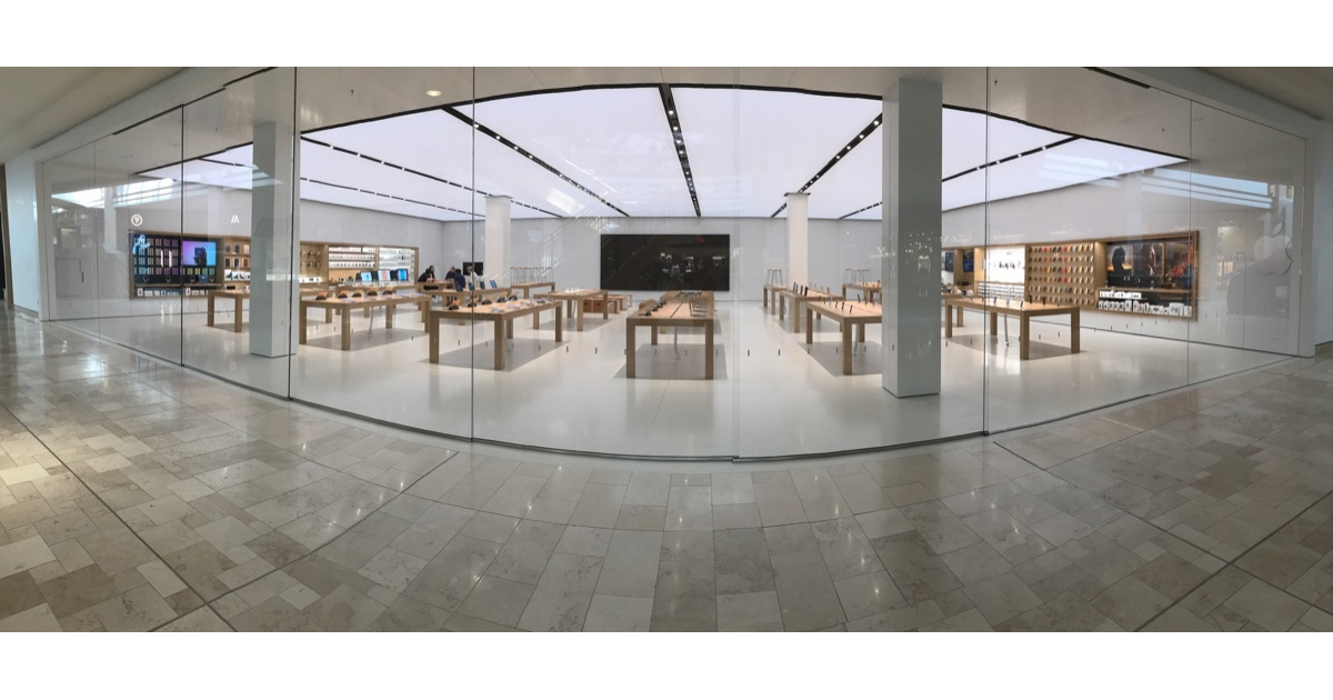 Apple store at Park Meadows Mall, Lone Tree, CO