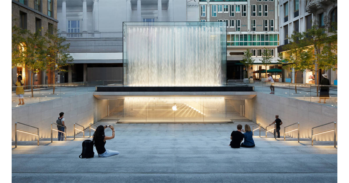 Apple Piazza Liberty store in Milan